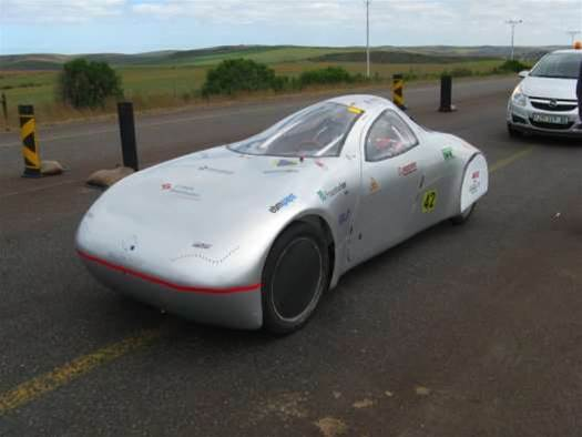 """Boozer"" the Electric Car Smashes Distance Record, Driving 1,000 Miles on a Single Charge"
